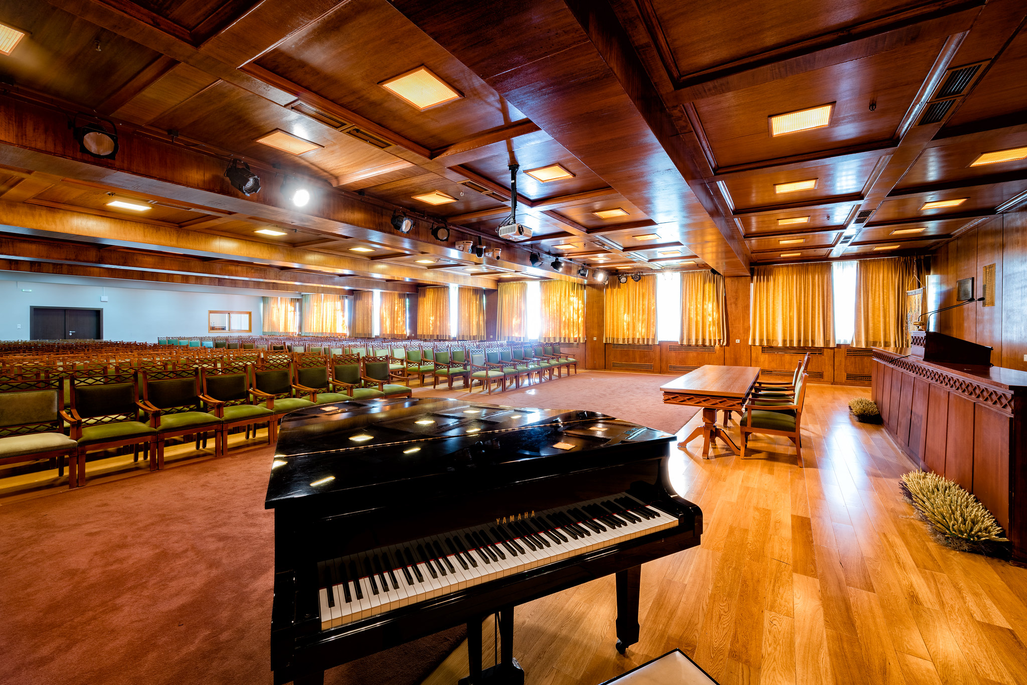 Πατρών- Αίθουσα Τελετών «Οδυσσέας Ελύτης»-Κτίριο Πρυτανείας-Πιάνο